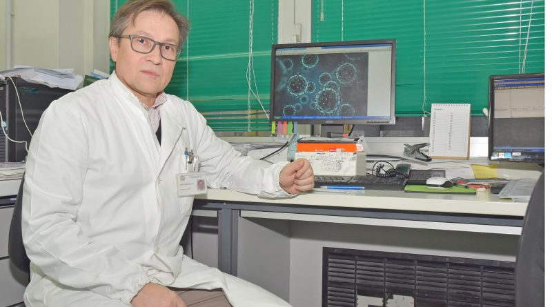 Dott. Fausto Baldanti, responsabile dell'Unità di Virologia Molecolare del San Matteo